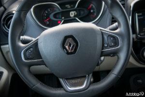 Renault Captur - wnętrze - 06
