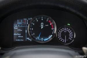 Lexus RC F - wnętrze - 05