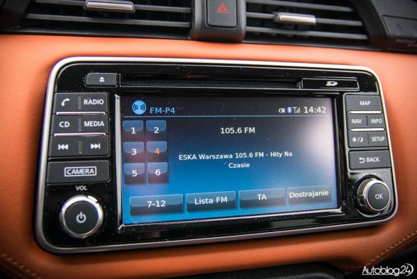 Nissan Micra - wnętrze - 06