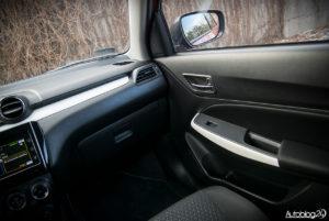 Suzuki Swift - wnętrze - 03