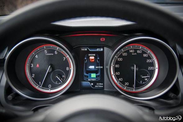 Suzuki Swift - wnętrze - 05
