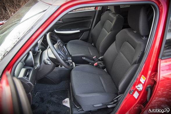 Suzuki Swift - wnętrze - 12