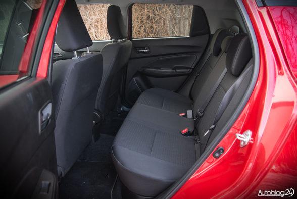 Suzuki Swift - wnętrze - 13