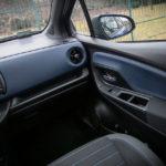 Toyota Yaris Hybrid - wnętrze - 05