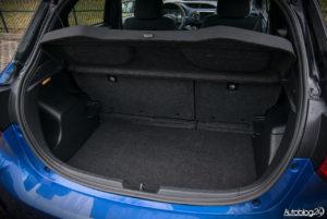 Toyota Yaris Hybrid - wnętrze - 14