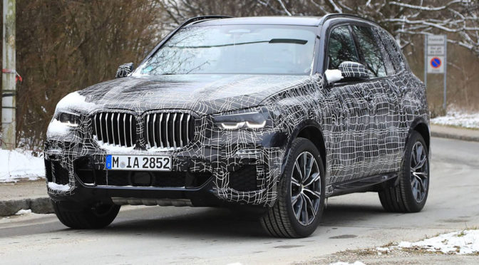 Nowe BMW X5 (2019) - premiera wkrótce, a zdjęcia szpiegowskie już trochę o tym SUV'ie zdradzają