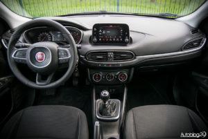 Fiat Tipo hatchback - wnętrze - 01