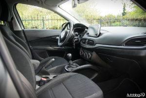 Fiat Tipo hatchback - wnętrze - 13