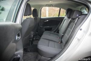 Fiat Tipo hatchback - wnętrze - 14