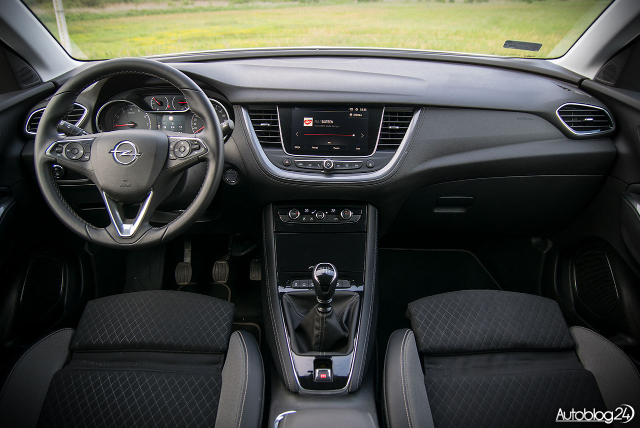 opel grandland x 1 2 turbo 130 km elite 2018 test. Black Bedroom Furniture Sets. Home Design Ideas