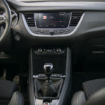 Opel Grandland X - wnętrze - 02