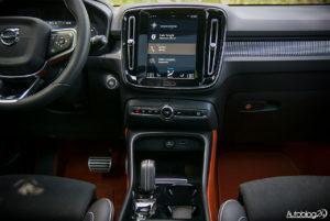 Volvo XC40 - wnętrze - 02