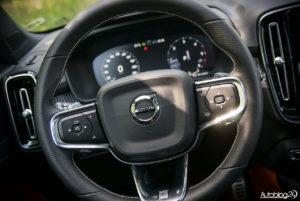Volvo XC40 - wnętrze - 04