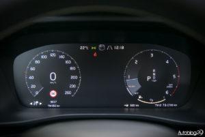Volvo XC40 - wnętrze - 06