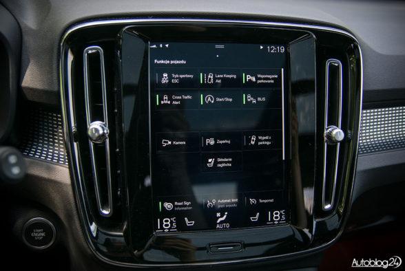 Volvo XC40 - wnętrze - 08