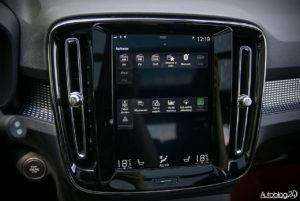 Volvo XC40 - wnętrze - 09