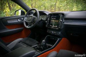 Volvo XC40 - wnętrze - 18