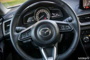 Mazda 3 - wnętrze - 04