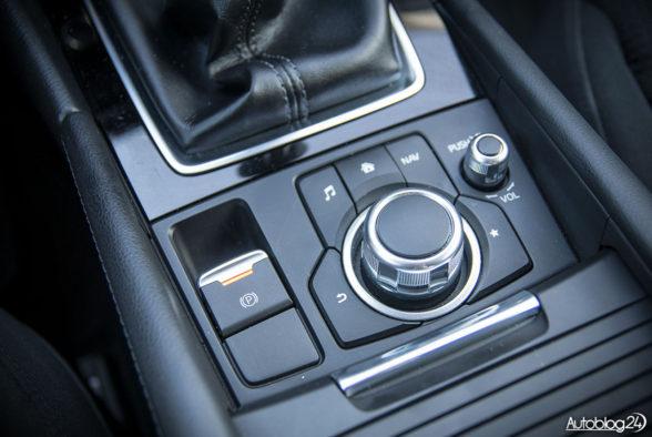 Mazda 3 - wnętrze - 08