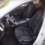 Mazda 3 - wnętrze - 10