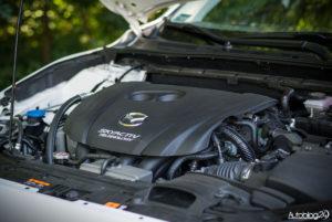 Mazda 3 - wnętrze - 12