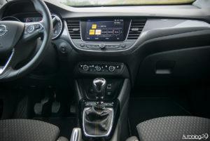 Opel Crossland X - wnętrze - 02