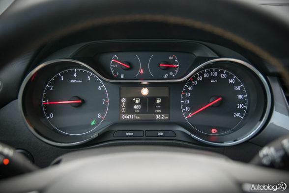 Opel Crossland X - wnętrze - 05