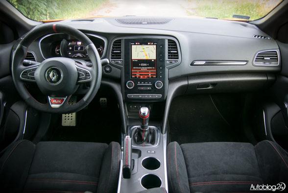 Renault Megane RS - wnętrze - 01