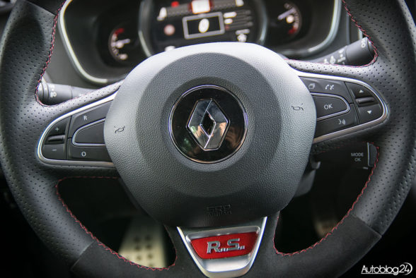 Renault Megane RS - wnętrze - 04