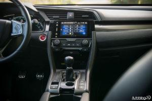Honda Civic - wnętrze - 02