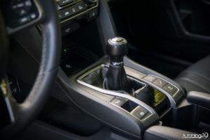 Honda Civic - wnętrze - 06