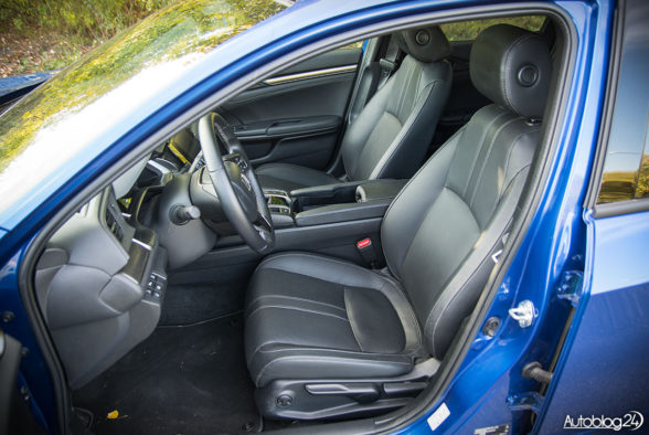 Honda Civic - wnętrze - 08
