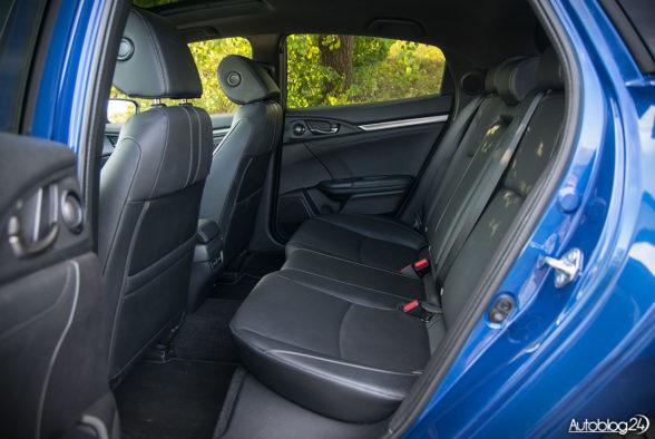 Honda Civic - wnętrze - 09