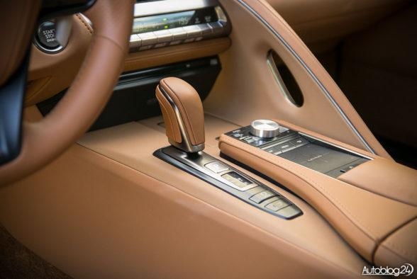 Lexus LC 500 - wnętrze - 09