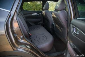 Nissan Qashqai - wnętrze - 10