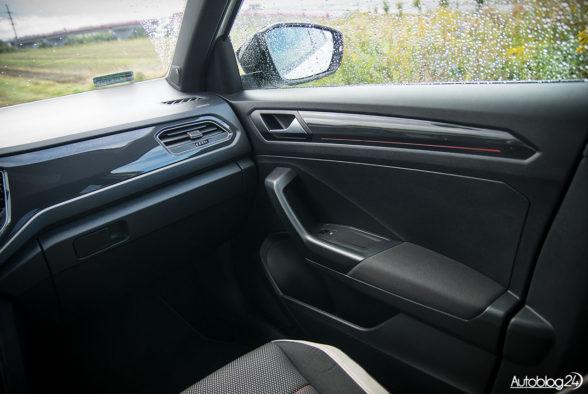 Volkswagen T-Roc - wnętrze - 03