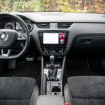 Skoda Octavia RS - wnętrze - 01