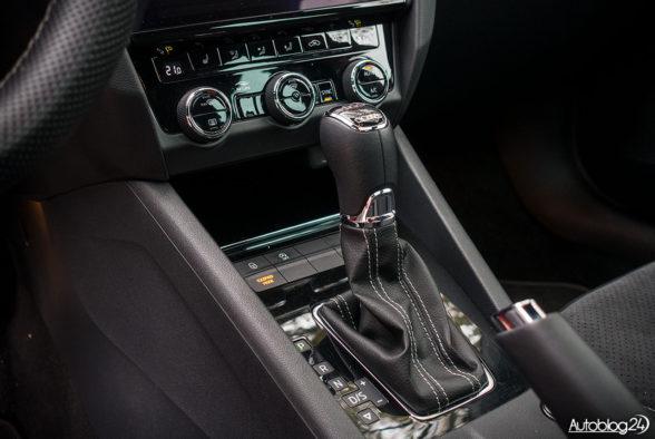 Skoda Octavia RS - wnętrze - 04