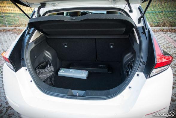 Nissan Leaf - wnętrze - 10