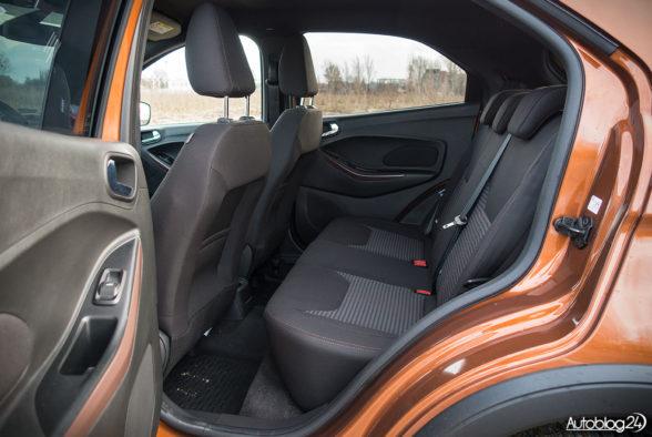 Ford Ka+ Active - wnętrze - 08