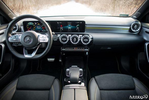 Mercedes Klasa A - wnętrze - 01