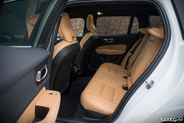 Volvo V60 - wnętrze - 13