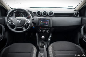 Dacia Duster - wnętrze - 01