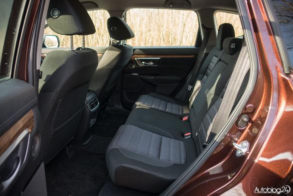 Honda CR-V - wnętrze - 08