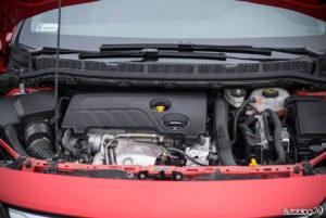 Opel Astra - wnętrze - 10