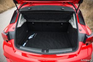 Opel Astra - wnętrze - 11