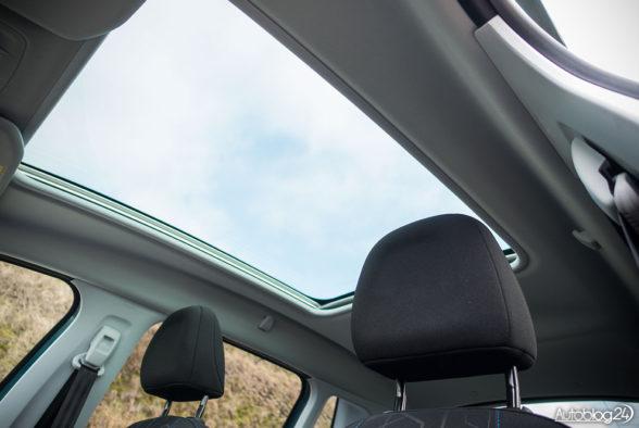 Peugeot 2008 - wnętrze - 09