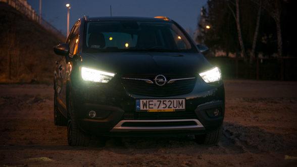 Opel Crossland X 2019 - światła przód