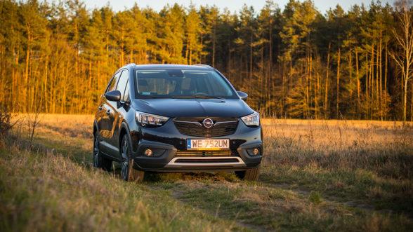 Opel Crossland X 2019 - zachód 01