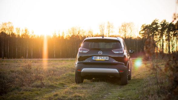 Opel Crossland X 2019 - zachód 02